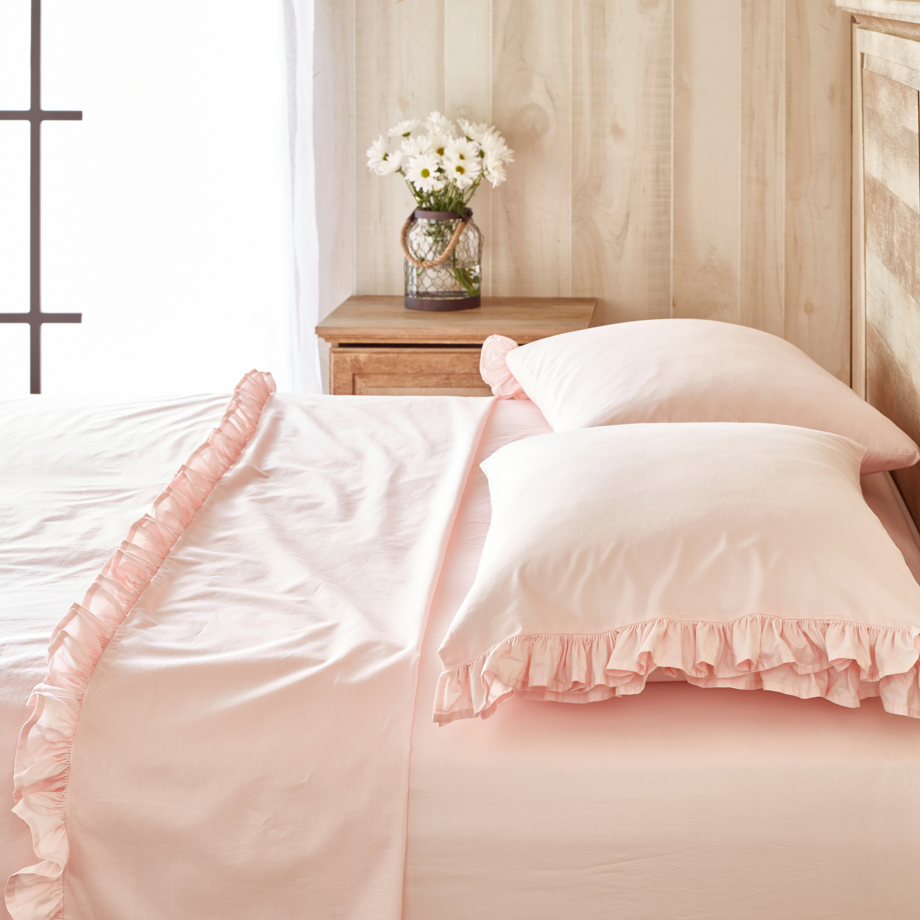 The Pioneer Woman Solid Ruffle Sheet Set