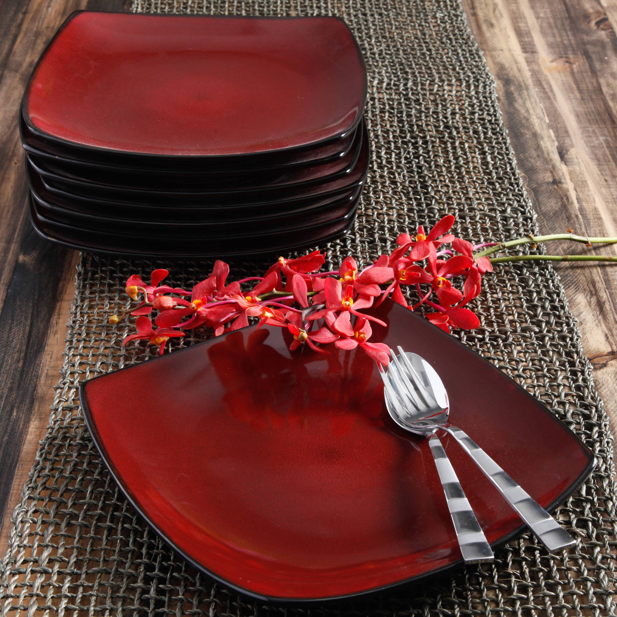 Gibson Home 10.5  Square Dinner Plates Red 8 Piece New Dinnerware Kit  & Gibson Home 10.5