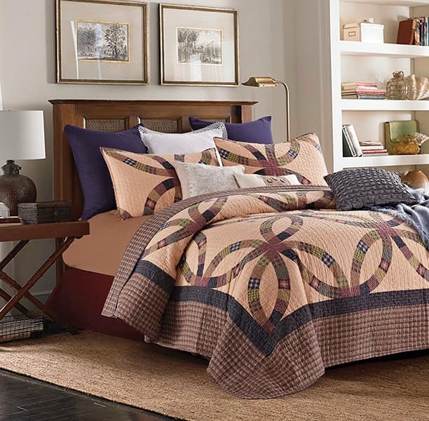 Primitive Ring - Quilt and Sham Set - Queen and Full Size