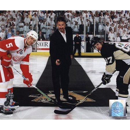 Mario Lemieux Ceremonial Puck Drop Game Three of the 2009 NHL Stanley Cup Finals ()