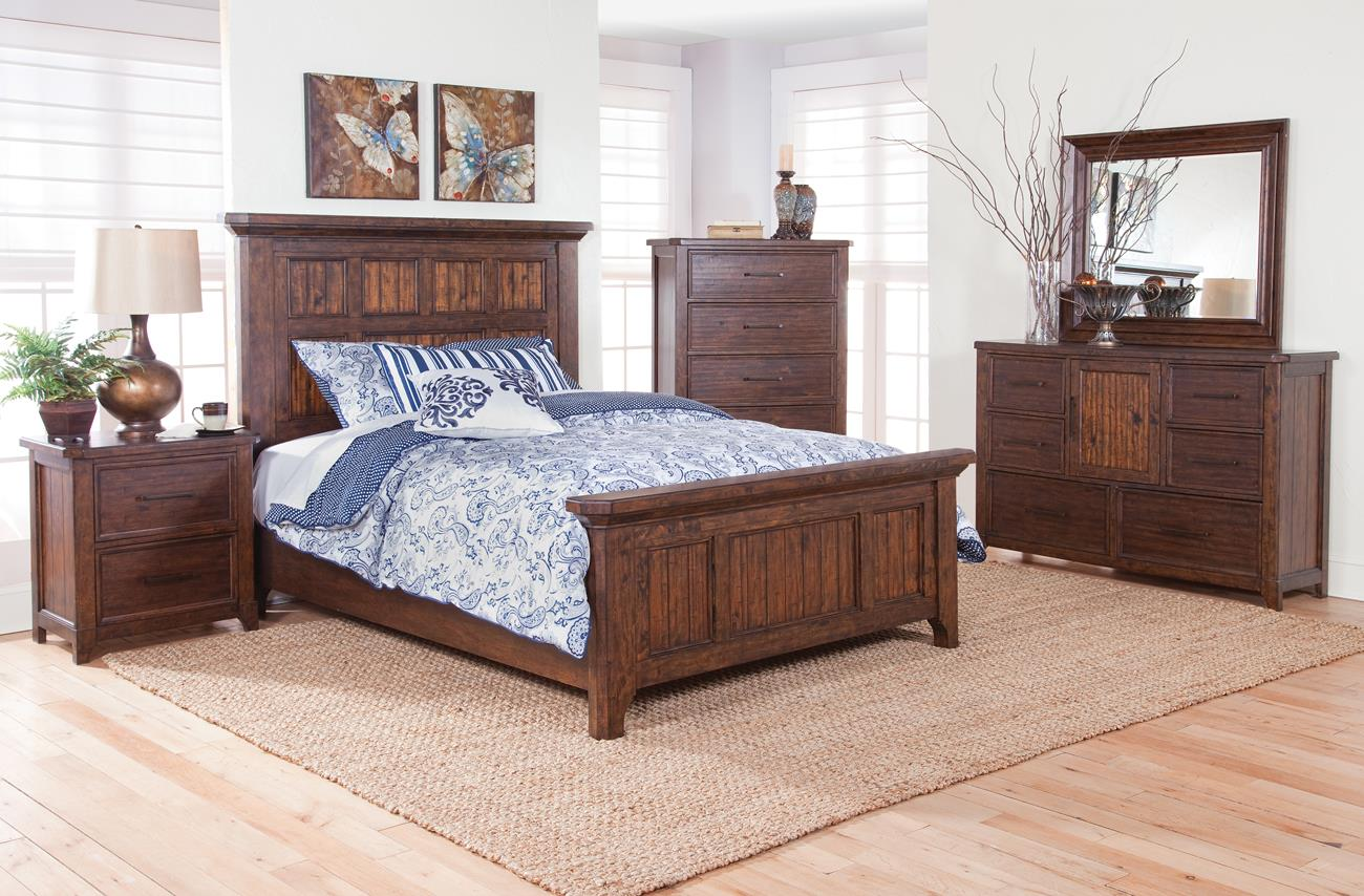 kendall 5 piece queen rustic bedroom set with chest in cherry brown
