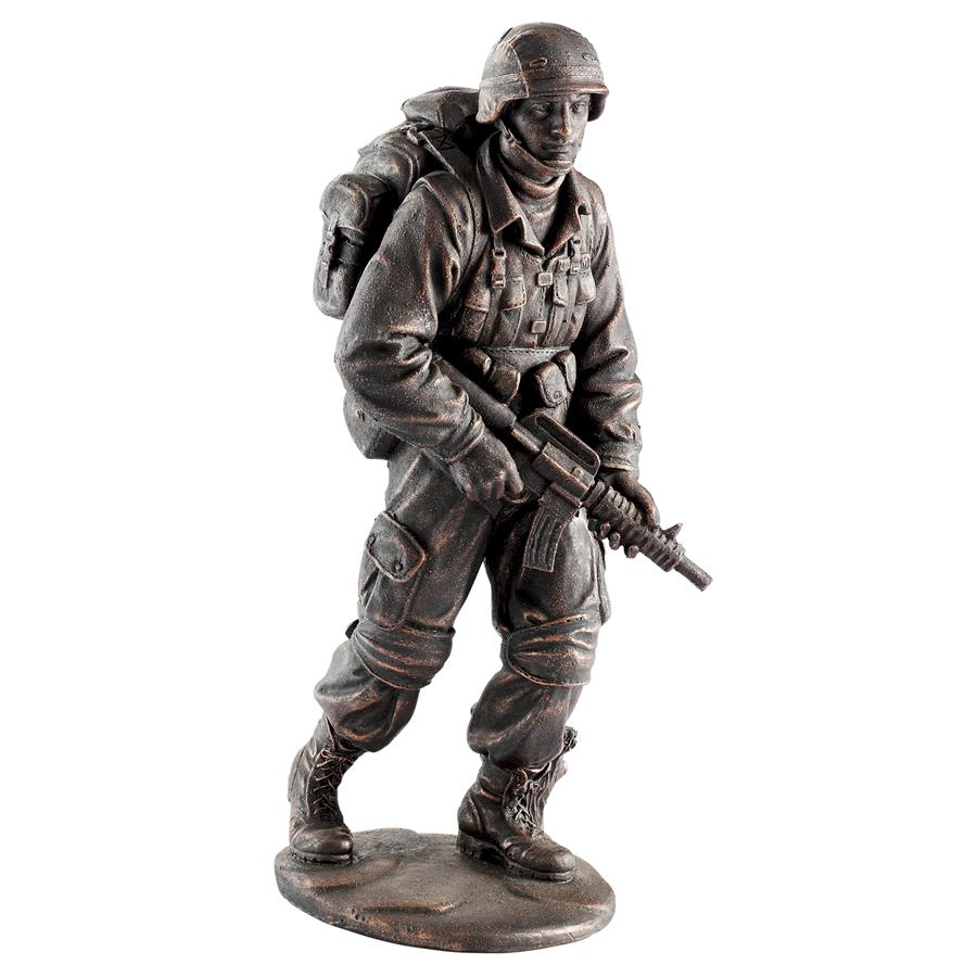 Design Toscano Salute to Our Heroes Military Soldier Statue
