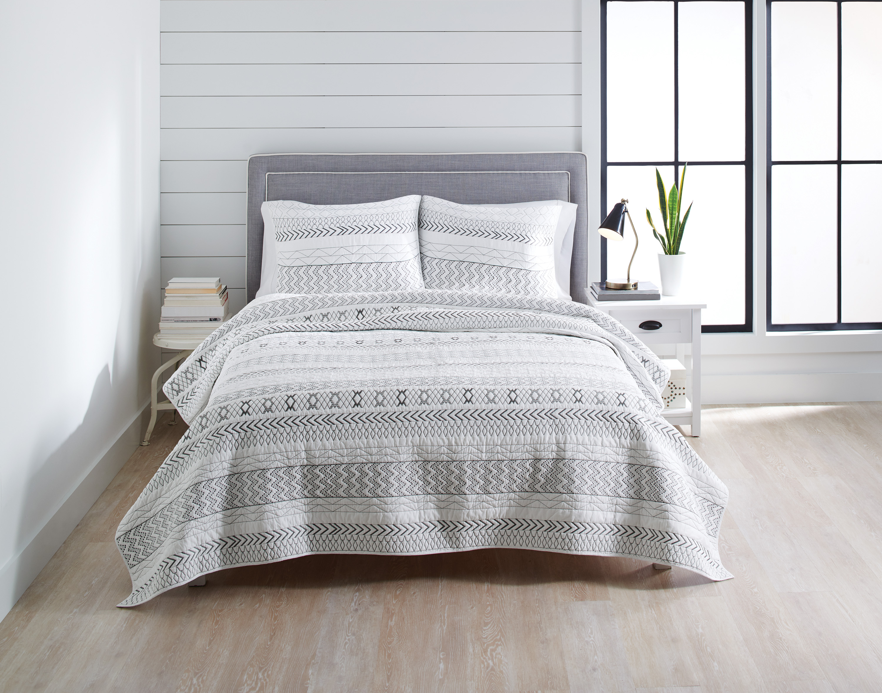Better Homes and Gardens Embroidered Stripe Quilt by Heifi Gorgeous Textile Products