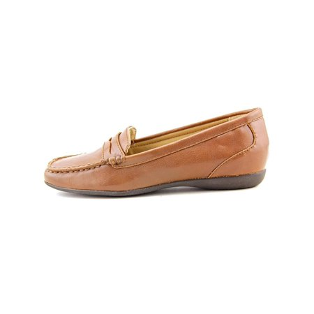 Womens Francie Closed Toe Loafers
