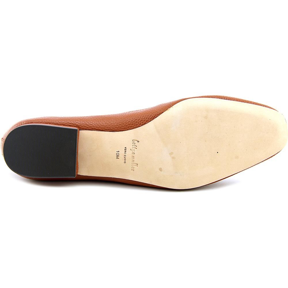 Bettye Muller Valet   Round Toe Leather  Loafer