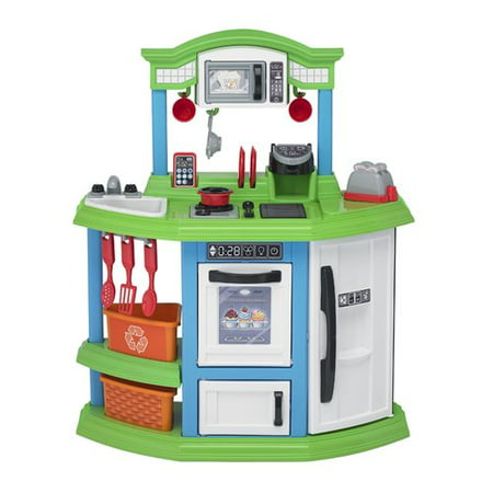 American Plastic Toys Cozy Comfort Kitchen ft. 22 Accessories](Plastic Toy)