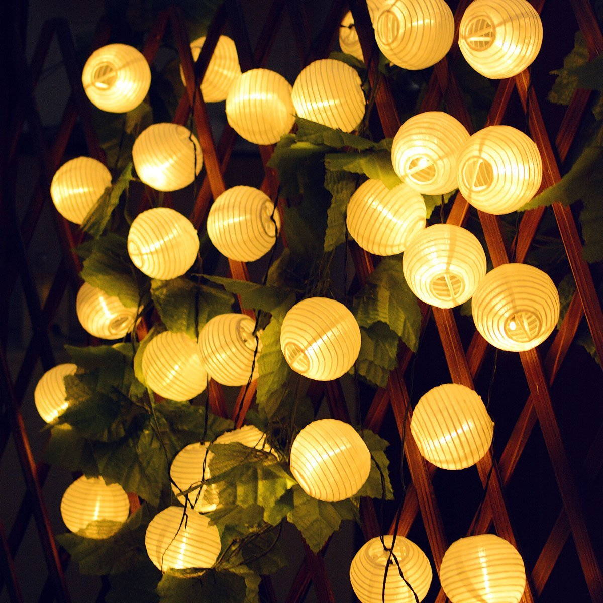 Solar lanterns string lights 30 led fabric ball fairy - Decorating with string lights indoors ...