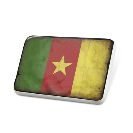 Porcelein Pin Cameroon Flag with a vintage look Lapel Badge – NEONBLOND