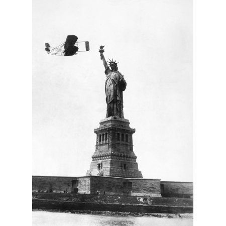 Halloween Celebrations In New York (Statue Of Liberty 1909 Nwilbur Wright Flying Past The Statue Of Liberty On His Way From GovernorS Island To GrantS Tomb During New York CityS Hudson Fulton Celebration 4 October)