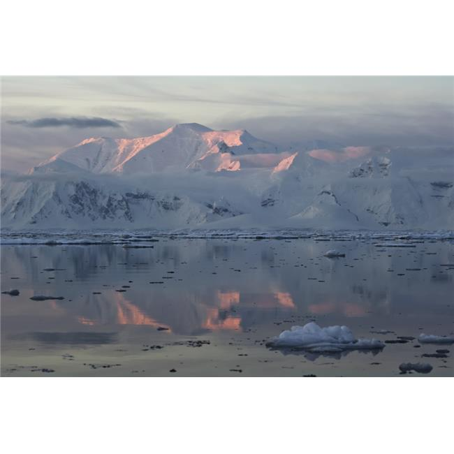Posterazzi DPI12256086 Alpenglow at Sunset on A Snow Covered Mountain Range Gerlache Strait Antarctic Peninsula Poster Print - 19 x 12 in. - image 1 de 1
