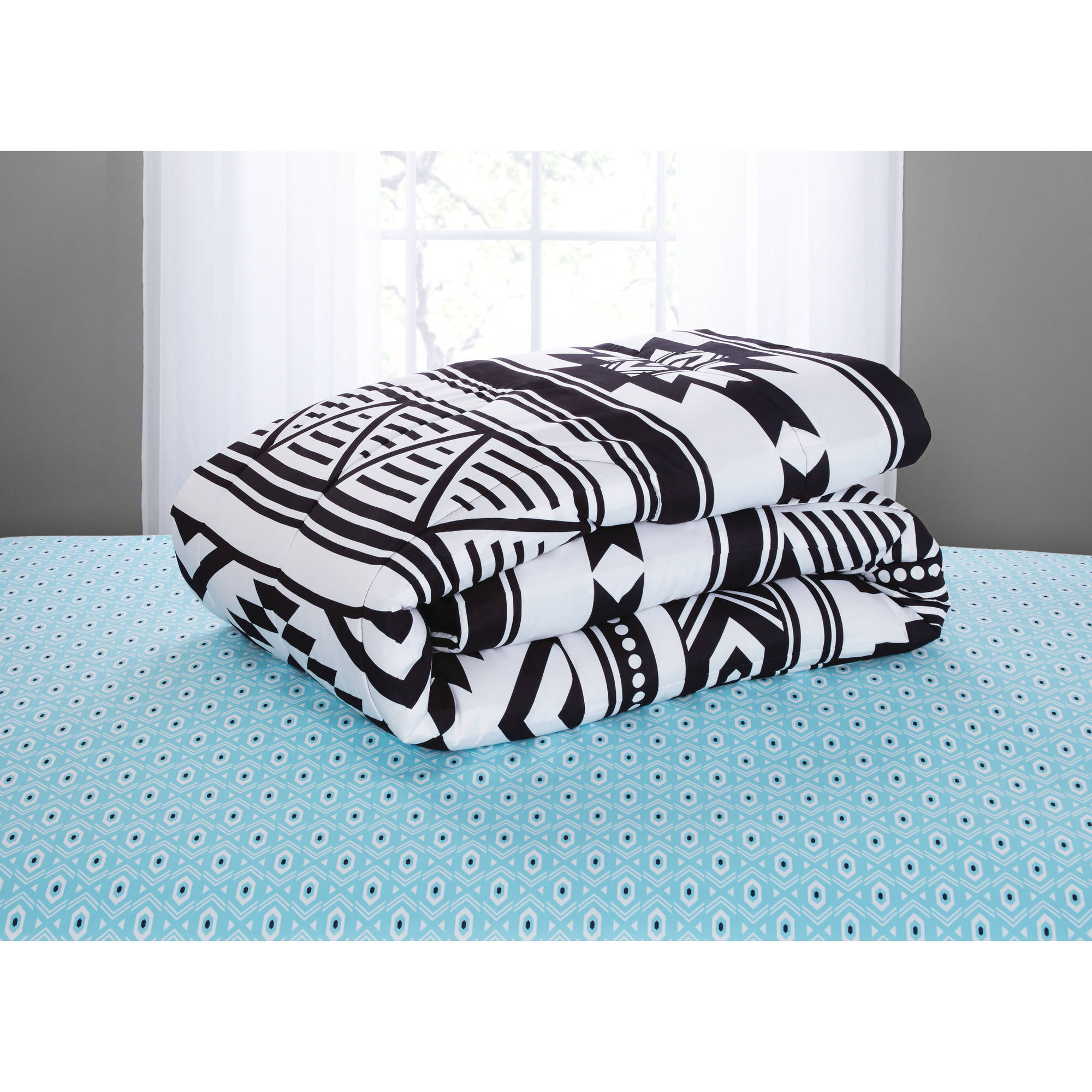 Famous Mainstays Black and White Aztec Bed in a Bag Coordinating Bedding  ST19