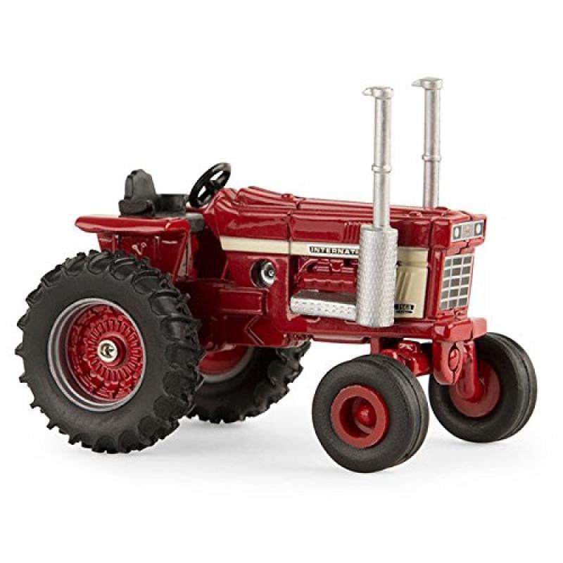 1:64 International Harvester 1568 V8 Tractor by