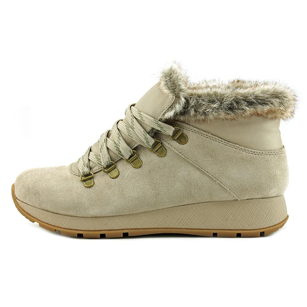 Baretraps Grazi Women Round Toe Snow Boots