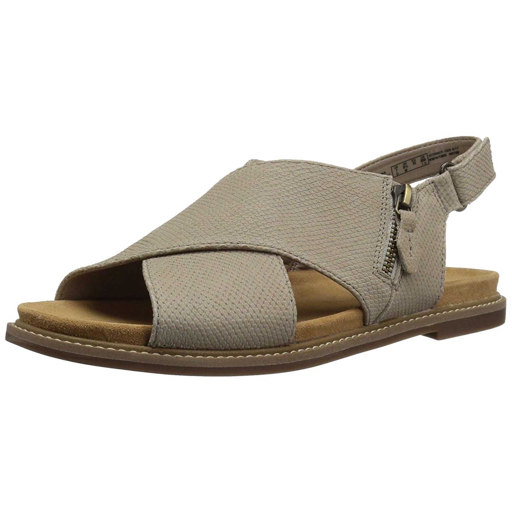 ca3377395582 CLARKS Women s Corsio Calm Flat Sandal
