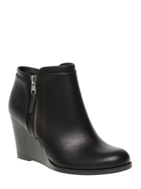 Women's Time and Tru Wedge Boot