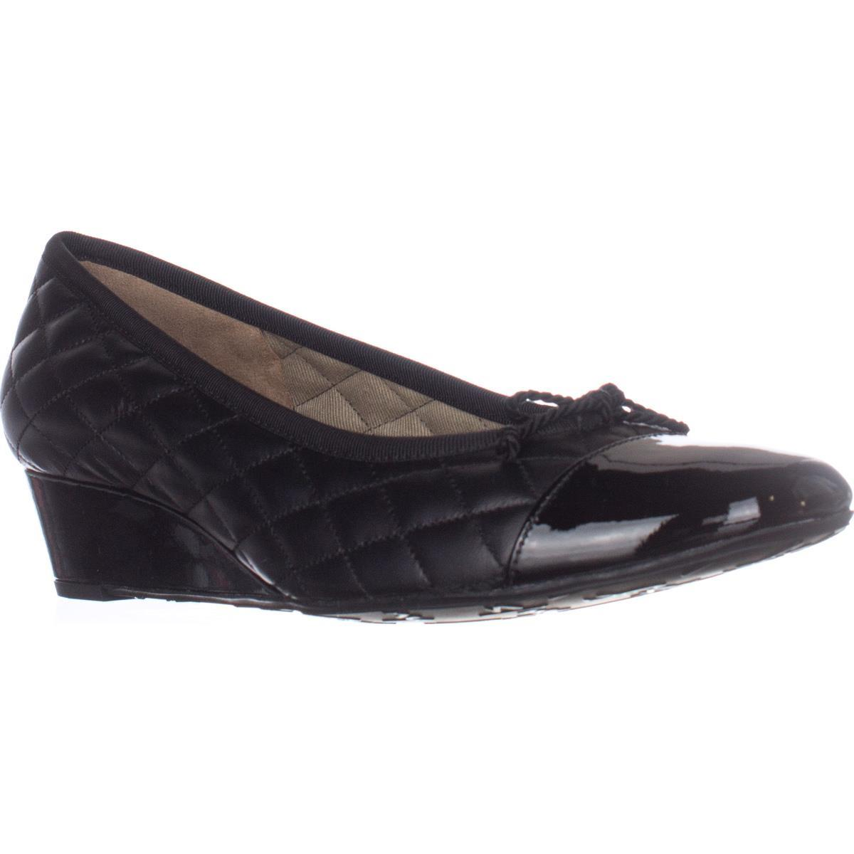 Womens French Sole FS/NY Deluxe Quilted Wedge Pumps, Black
