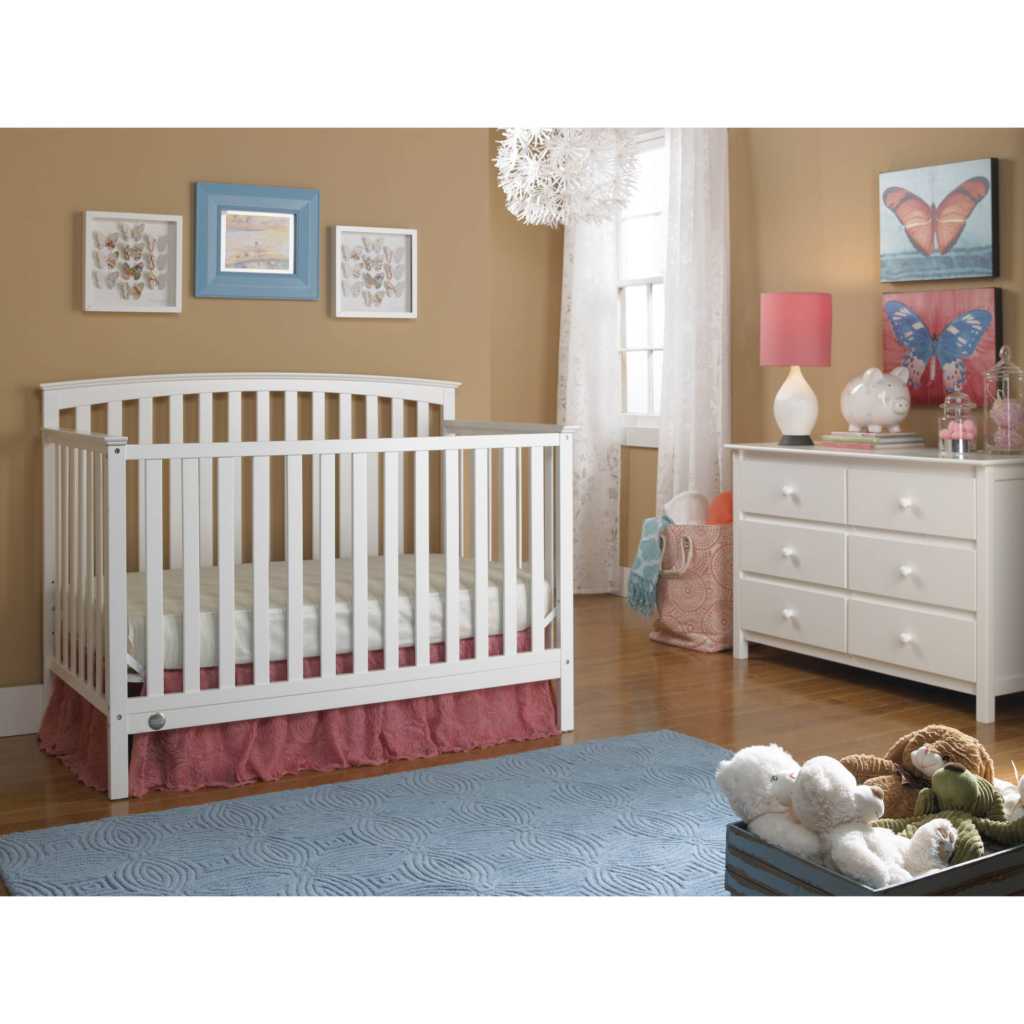 Fisher-Price Jesse 4-in-1 Convertible Crib Collection, Snow White