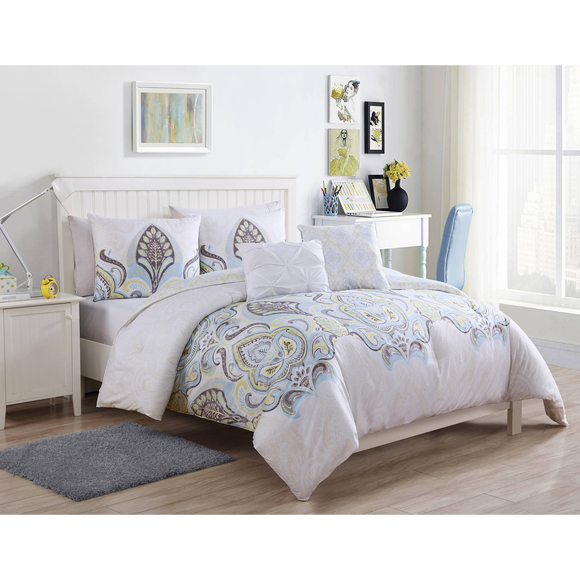 VCNY Home Multi-Color Shazia 4/5 Piece Bedding Comforter Set, Decorative Pillows Included