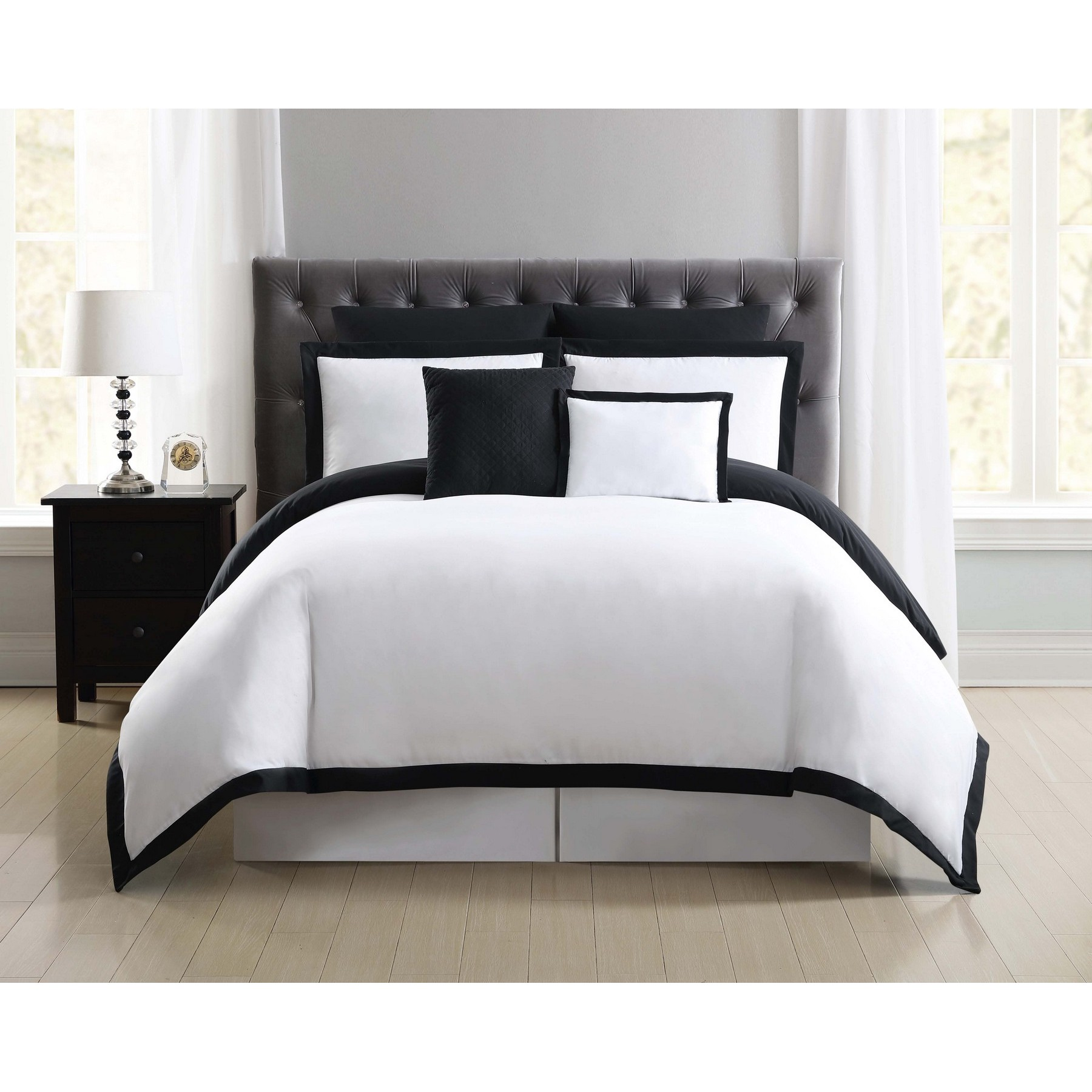 Truly Soft Everyday Hotel Border Black 7 Piece Full / Queen Duvet Set