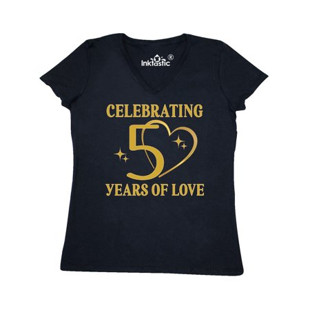 50th Wedding Anniversary Gift 50 Years Women's V-Neck T-Shirt ()
