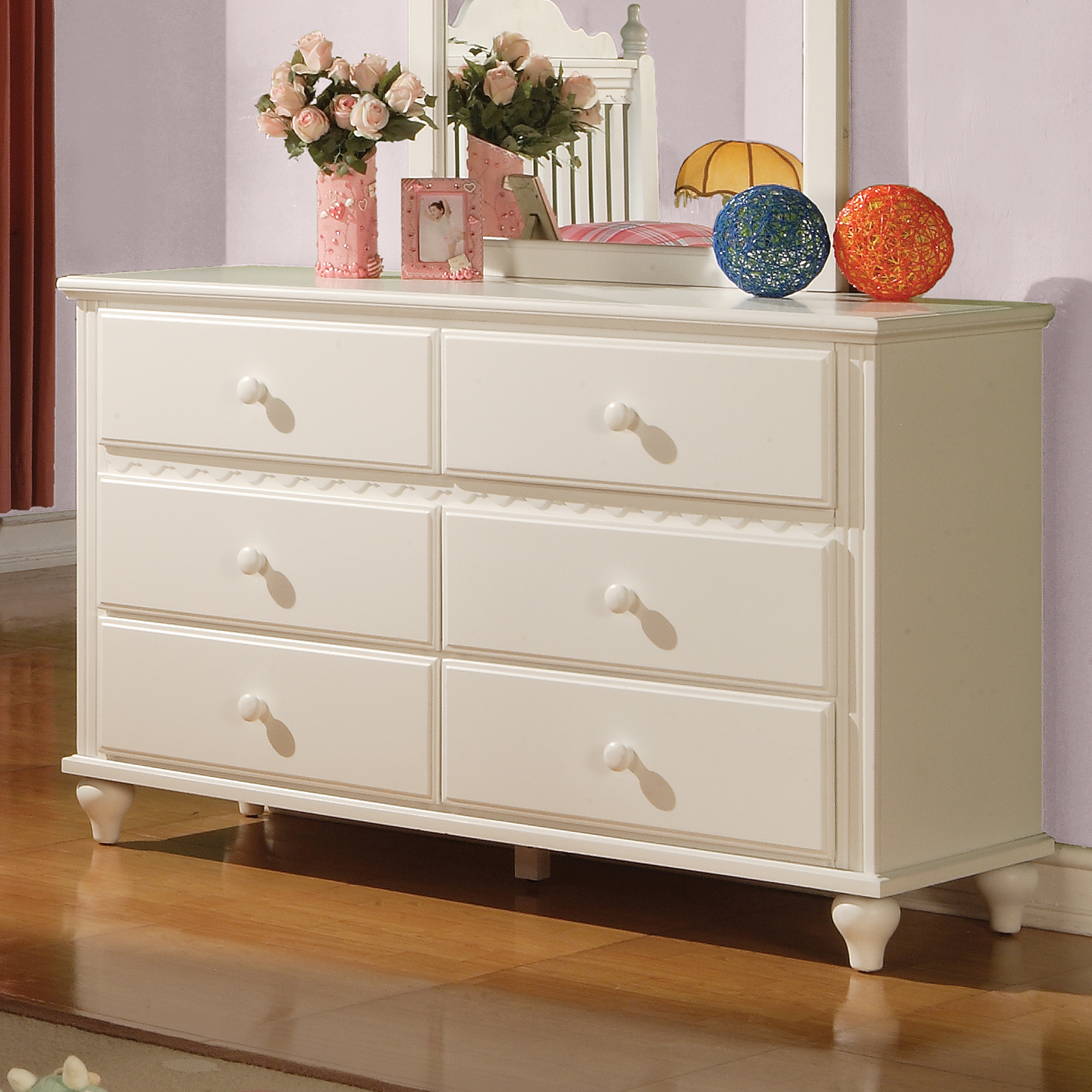 Coaster Pepper Dresser, White by Coaster of America