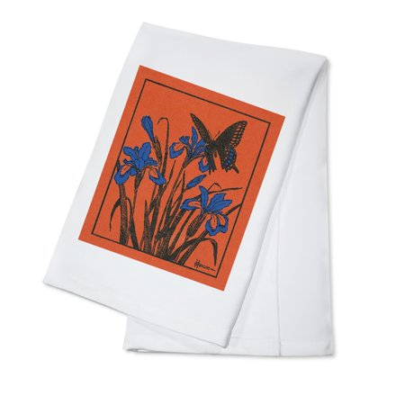 Nature Magazine - Moth Hovering above Lilies (100% Cotton Kitchen Towel)