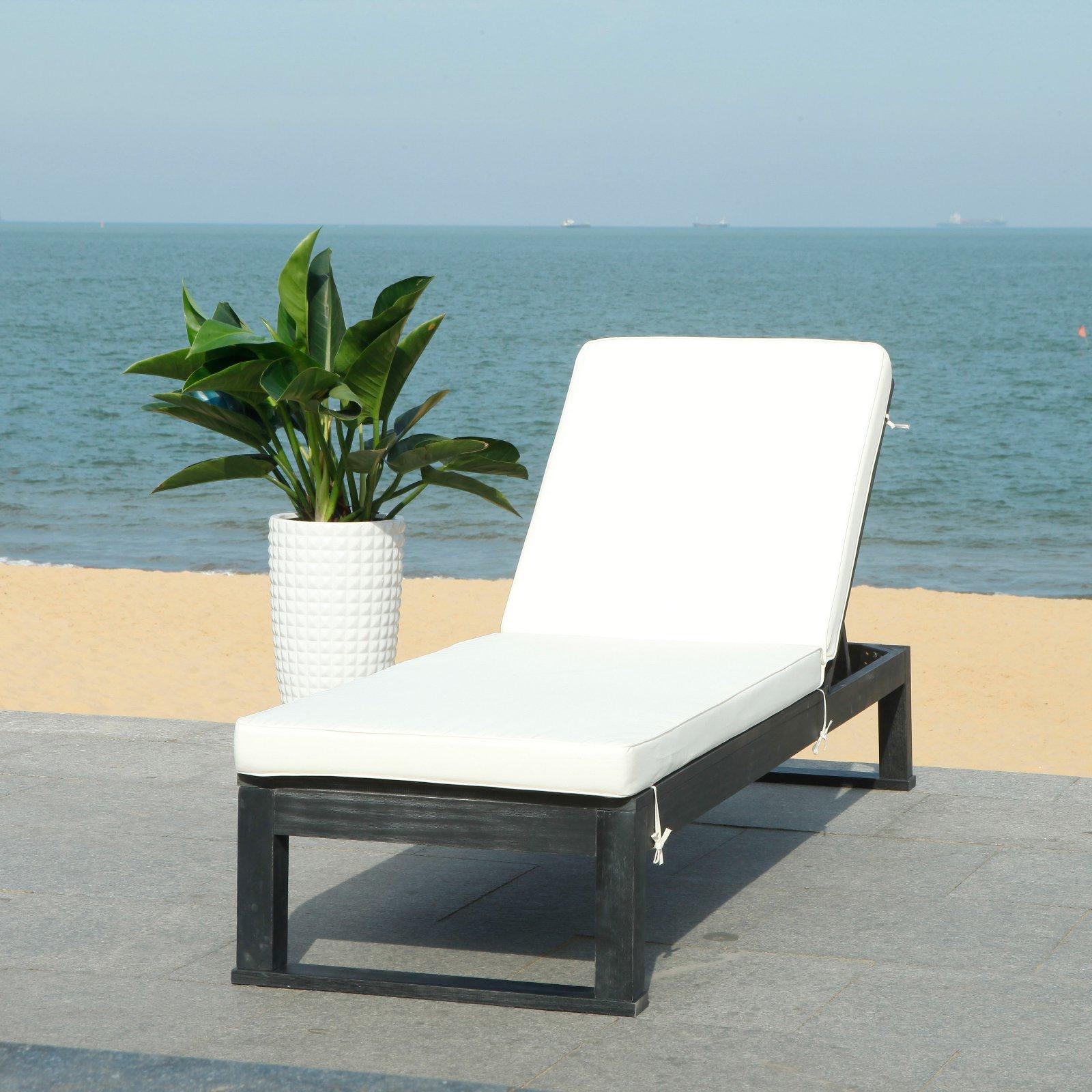 Safavieh Solano Outdoor Contemporary Patio Sunlounger with Cushion