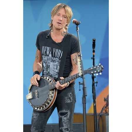 Playfield Set (Keith Urban On Stage For Good Morning America Summer Concert Series With Keith Urban Rumsey Playfield In Central Park New York Ny August 12 2016 Photo By Kristin CallahanEverett Collection Celebrity )