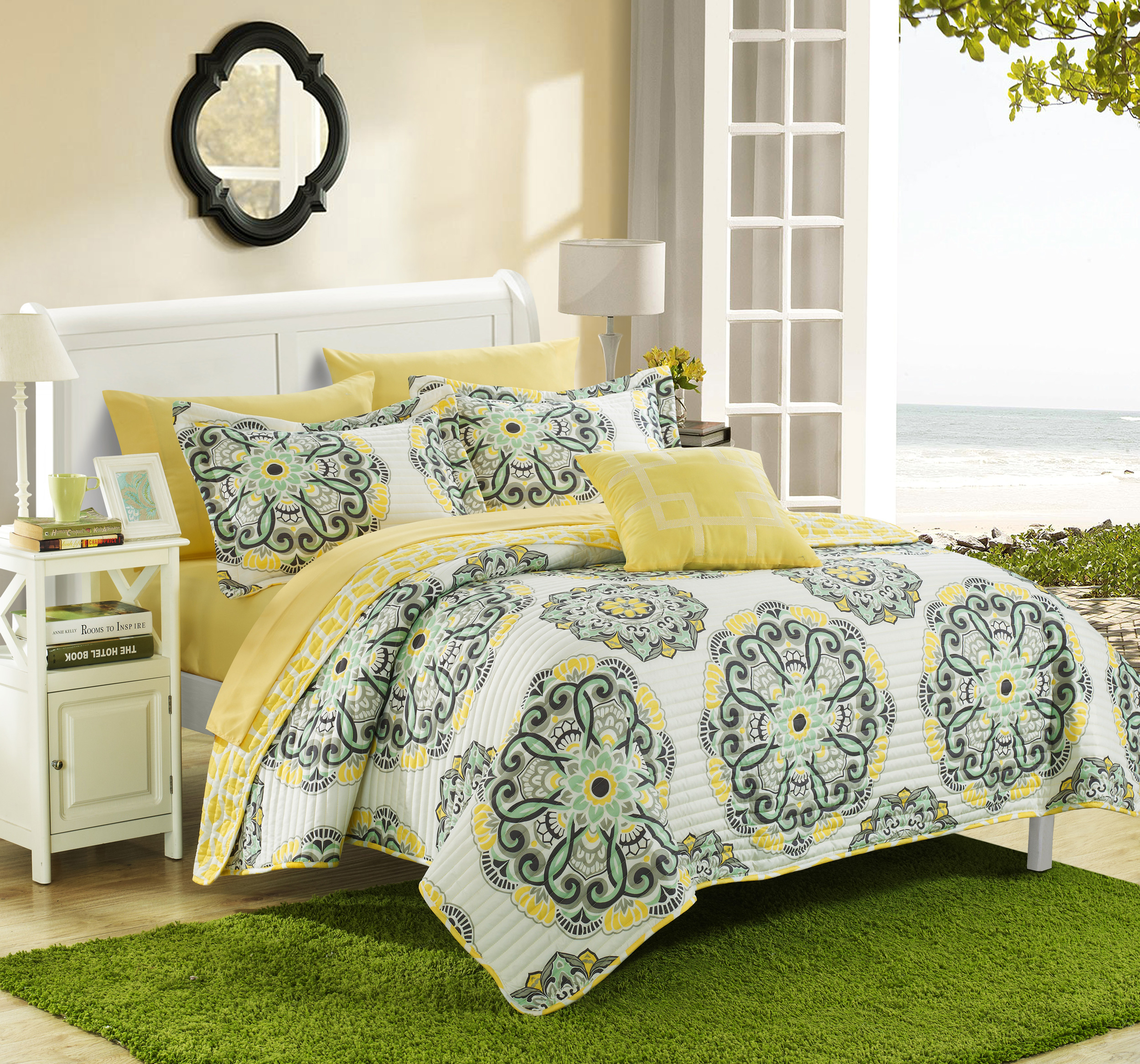 Chic Home 4-Piece Miranda REVERSIBLE Quilt Set