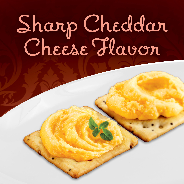 Kraft Old English Sharp Cheddar Cheese Spread, 5 oz Jar - Walmart com