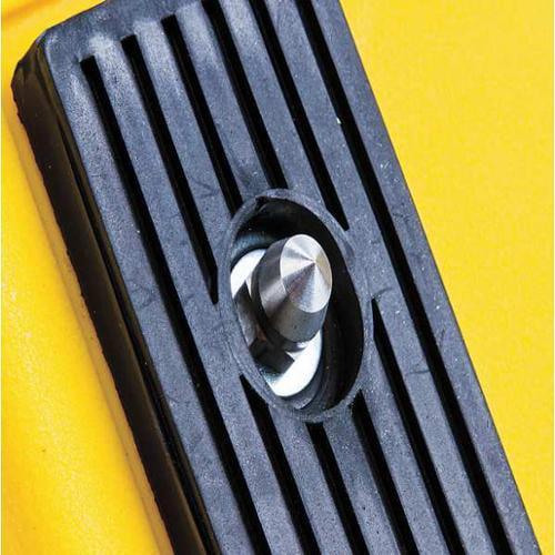 CHECKERS INDUSTRIAL PROD INC MCSTUD-3/8X1.5 Wheel Chock Ice Stud