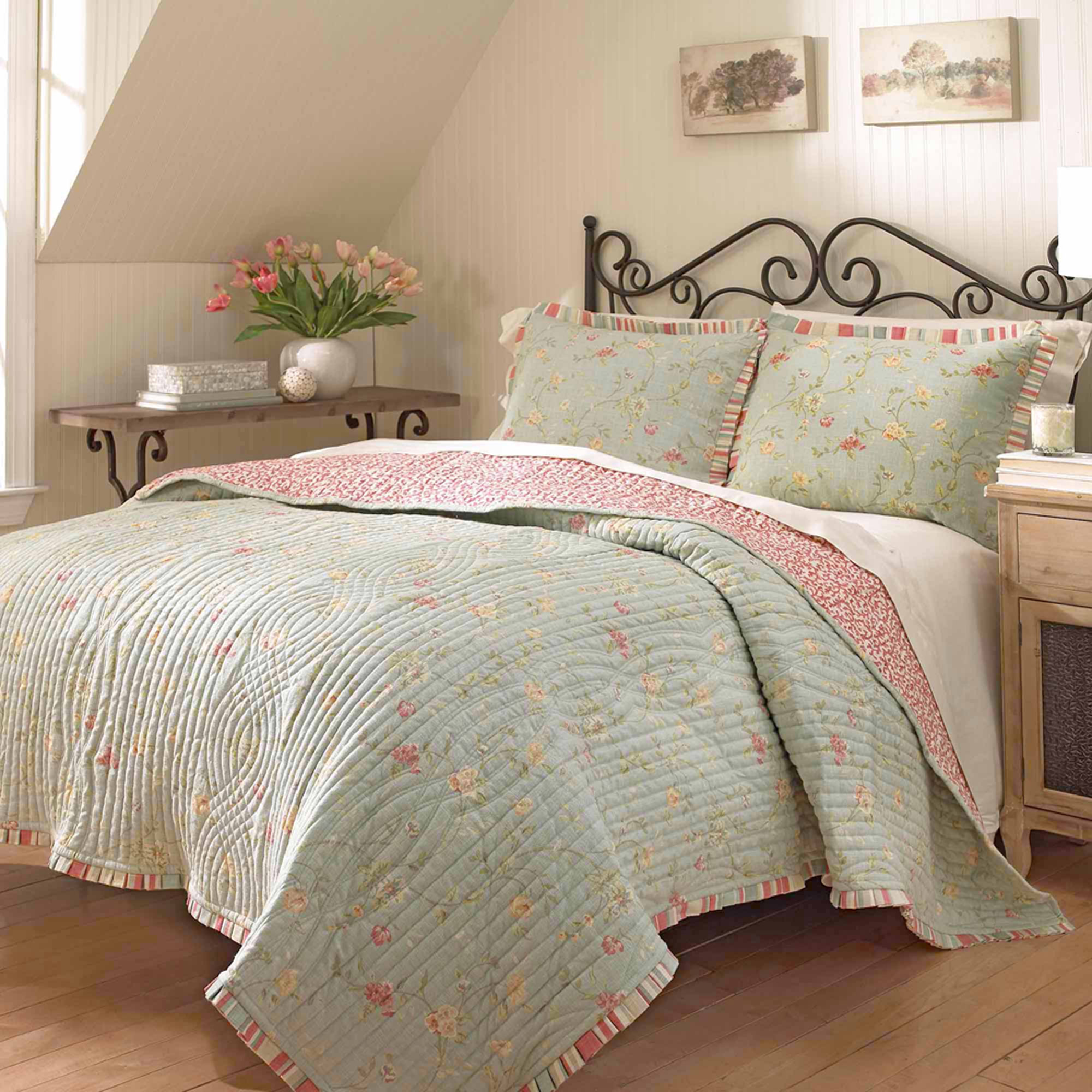 Waverly Garden Glitz Reversible Bedding Quilt