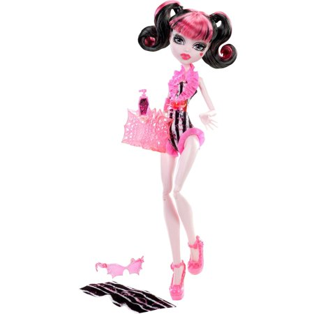Monster High Doll, Beach Beasties - Draculaura (Monster High Dolls Basic Travel)
