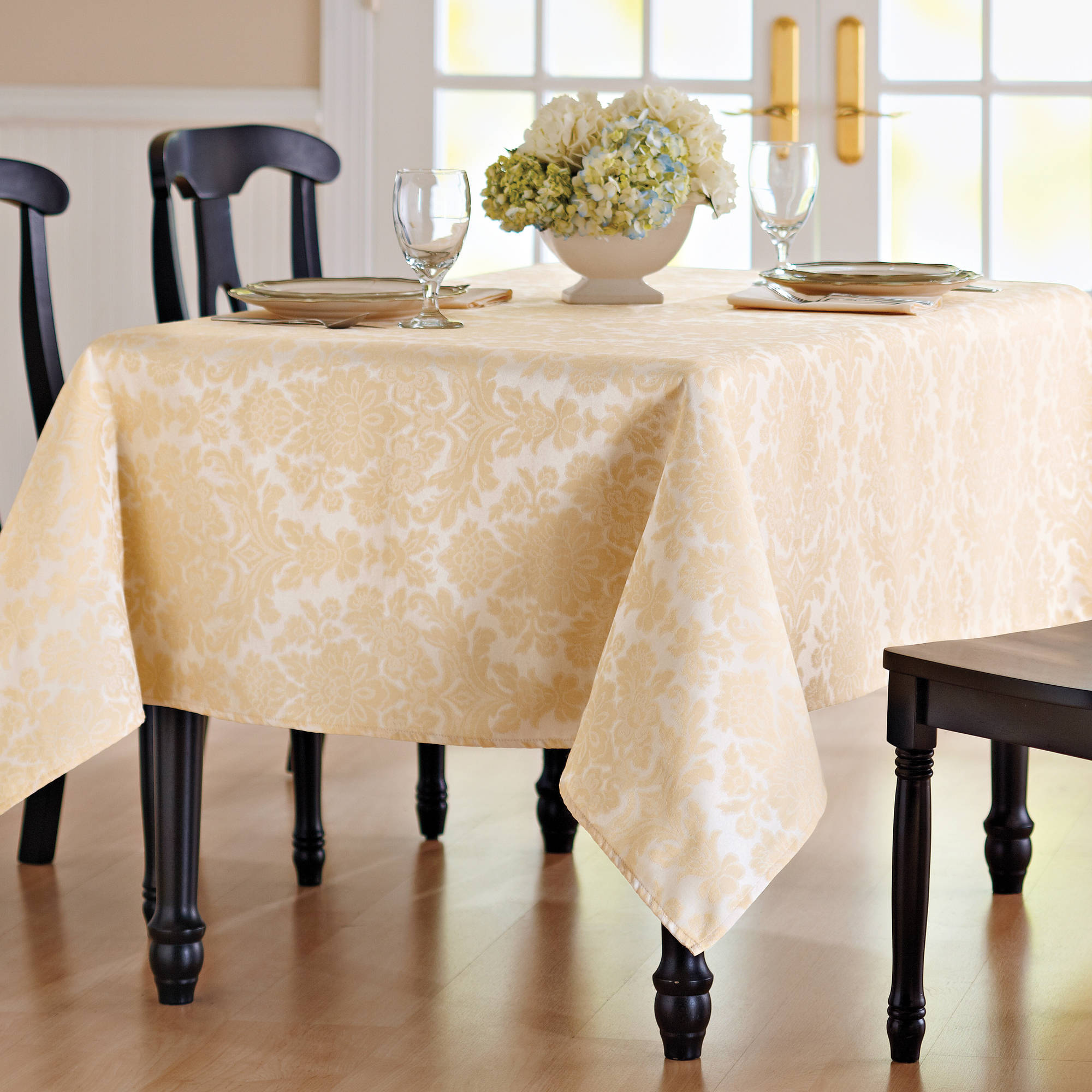 Better Homes and Gardens Medallion Damask Tablecloth
