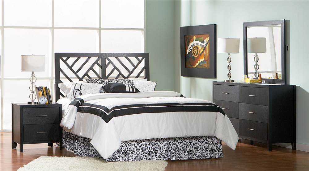 4-Pc Bedroom Set With Nightstand (Cal King)