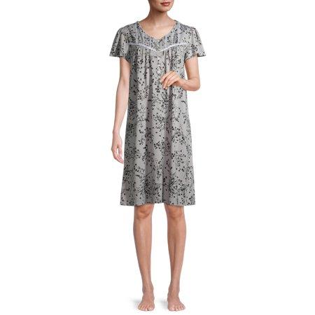 Secret Treasures Women's Traditional Flutter Sleeve Gown