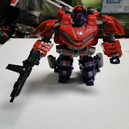 Transformers Generations: Autobot Cybertronian Optimus Prime Deluxe Class Action