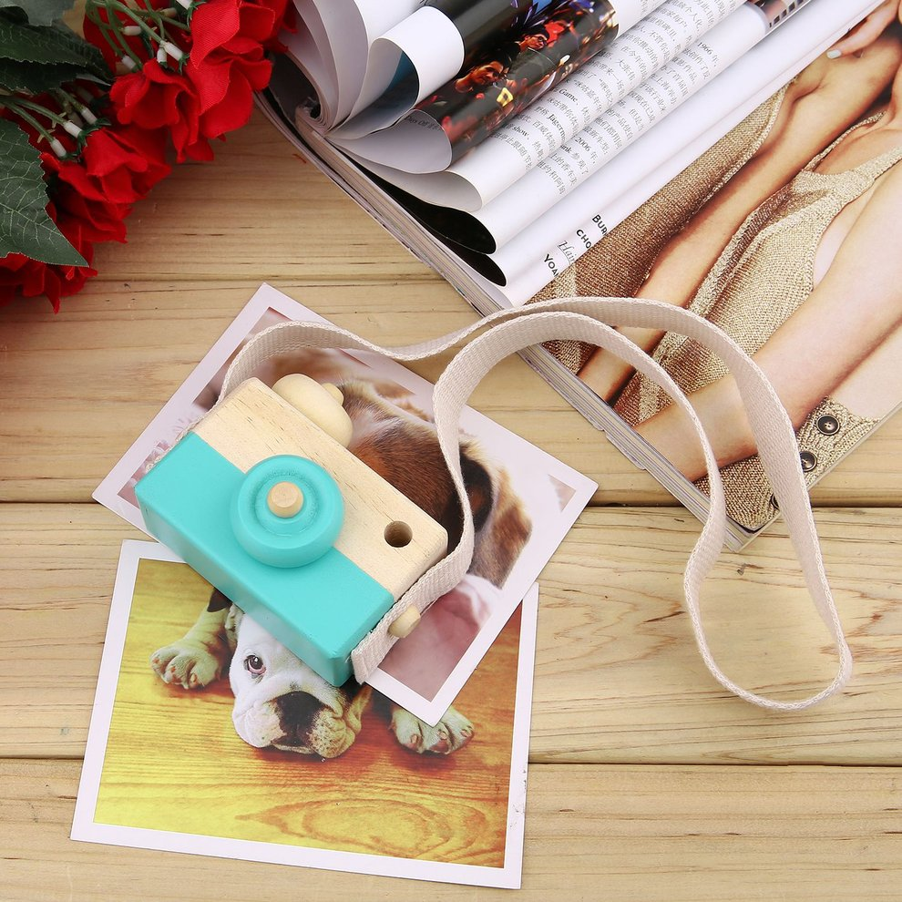 Cute Wooden Toy Camera Kids Girls Boys Creative Neck Camera Photo Props Decor Great Gift for Your Child 3 Colors