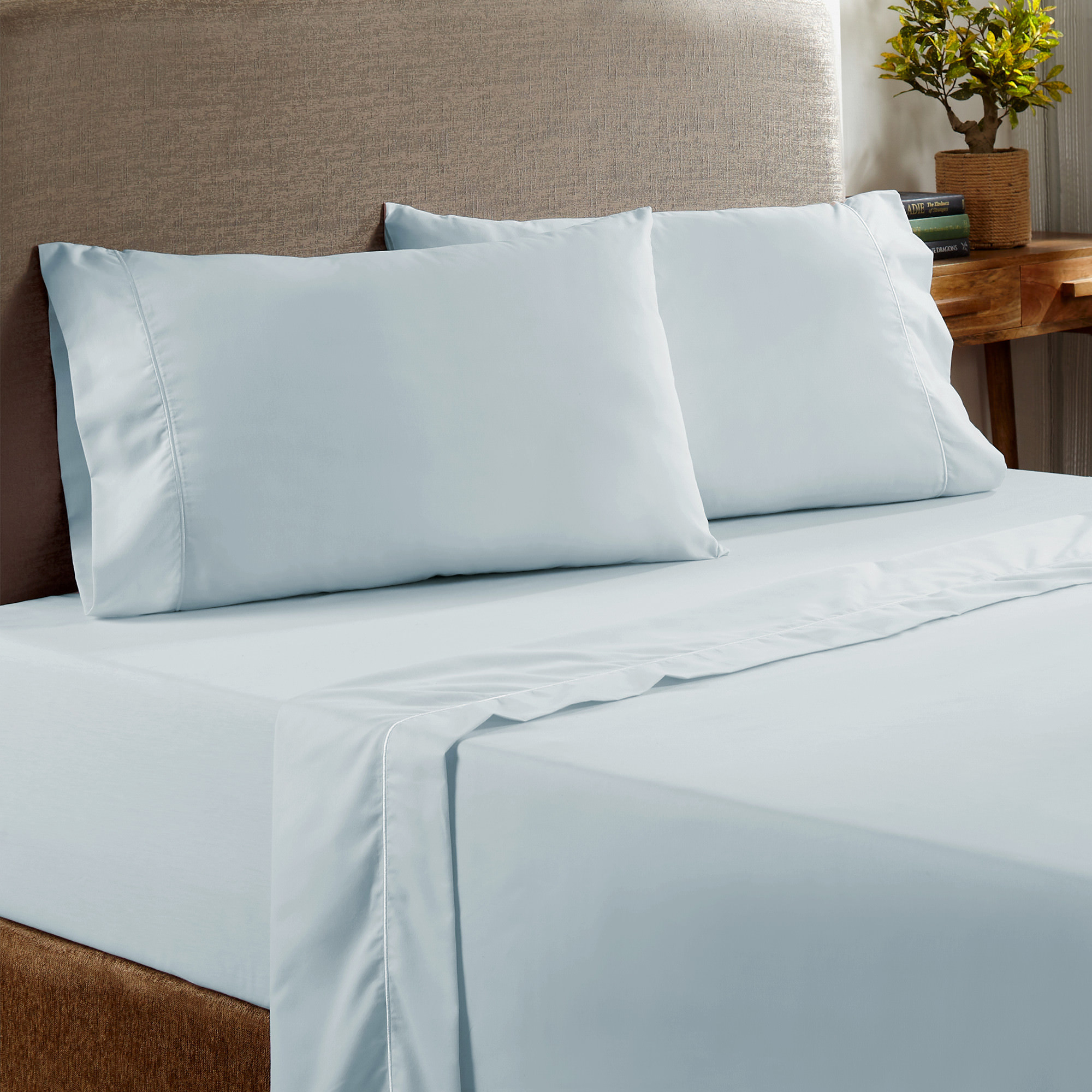 Pacific Coast Textiles Deep Pocket 400 Thread Count Brushed Finished Cotton Rich Sheet Set