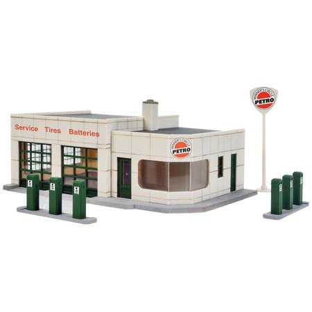 Scale Gas Station (Walthers Cornerstone HO Scale Building Kit Winner's Circle Petro Gas Station )