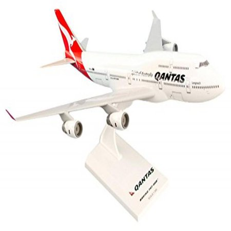 Daron Skymarks Qantas 747-400 New Livery Airplane Model (1/250 Scale)