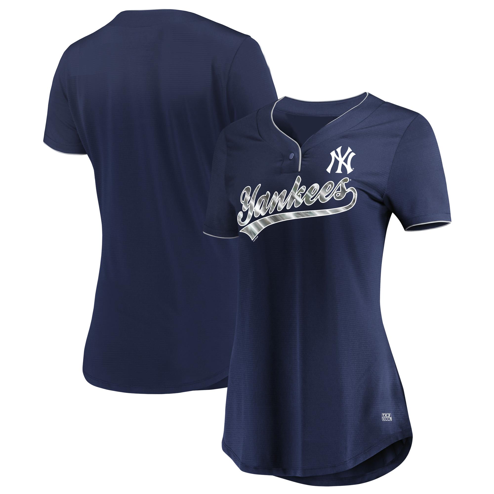Women's Majestic Navy New York Yankees Memorable Season TX3 Cool Fabric V-Neck T-Shirt