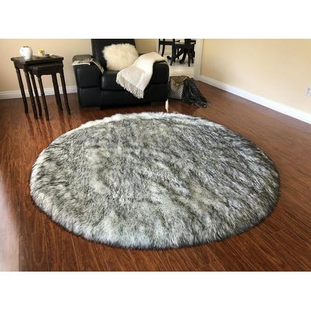 Soho Luxurious Faux Sheepskin Round Shape White with Black Tips Shag Area Rug ()