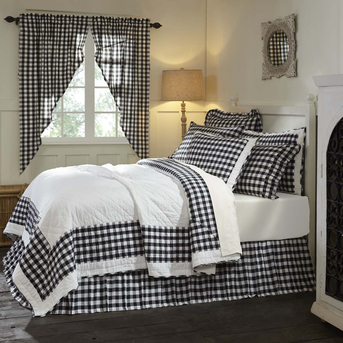 Antique White Black Farmhouse Bedding Jenna Buffalo Check Cotton Pre-Washed Buffalo Check Luxury King Quilt