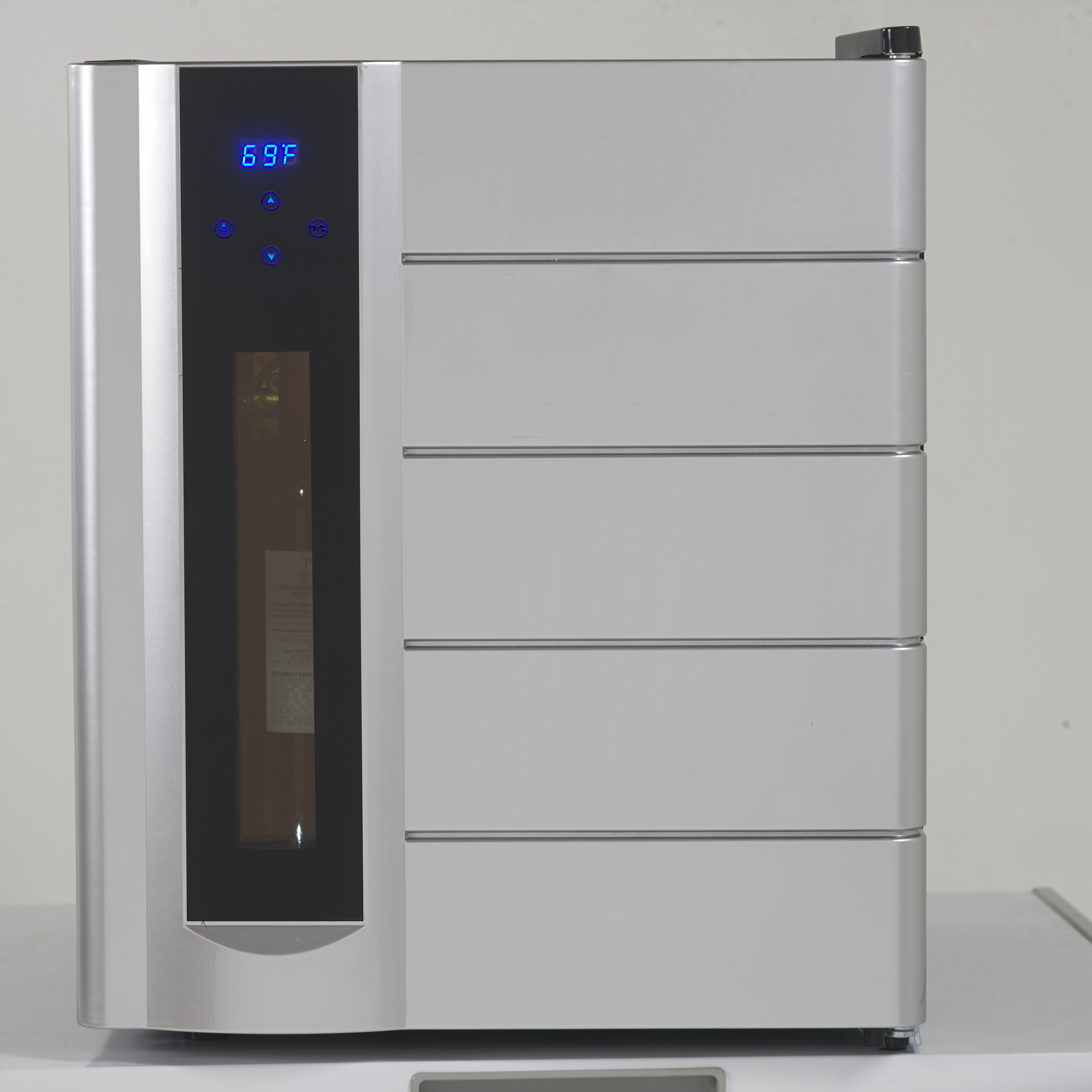 Avanti Wine Fridge with Wine Preserver and Dispenser