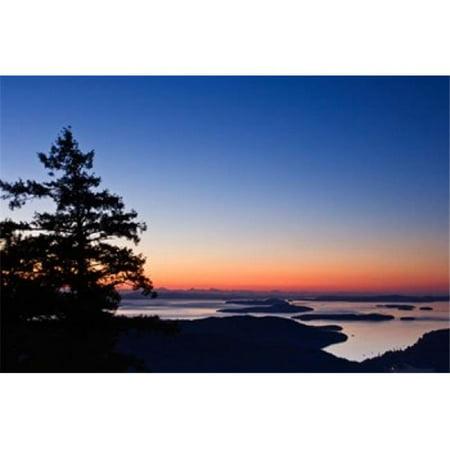 Posterazzi PDDCN02RTI0129 British Columbia Salt Spring Mt Maxwell Sunrise Poster Print by Rob Tilley - 27 x 18 -
