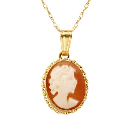 Shell Cameo Pendant Necklace in 14kt Gold