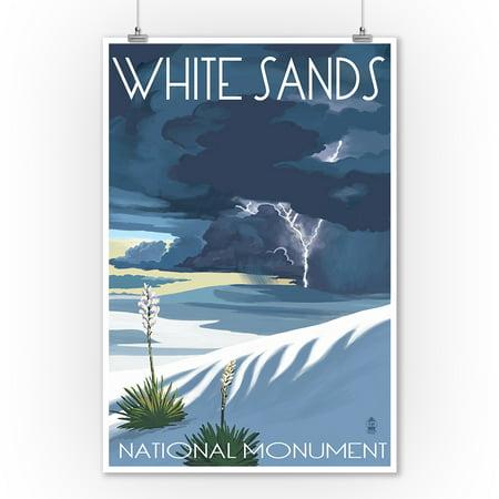 White Sands National Monument, New Mexico - Lightning Storm - Lantern Press Artwork (9x12 Art Print, Wall Decor Travel Poster) Pink Tornados Art