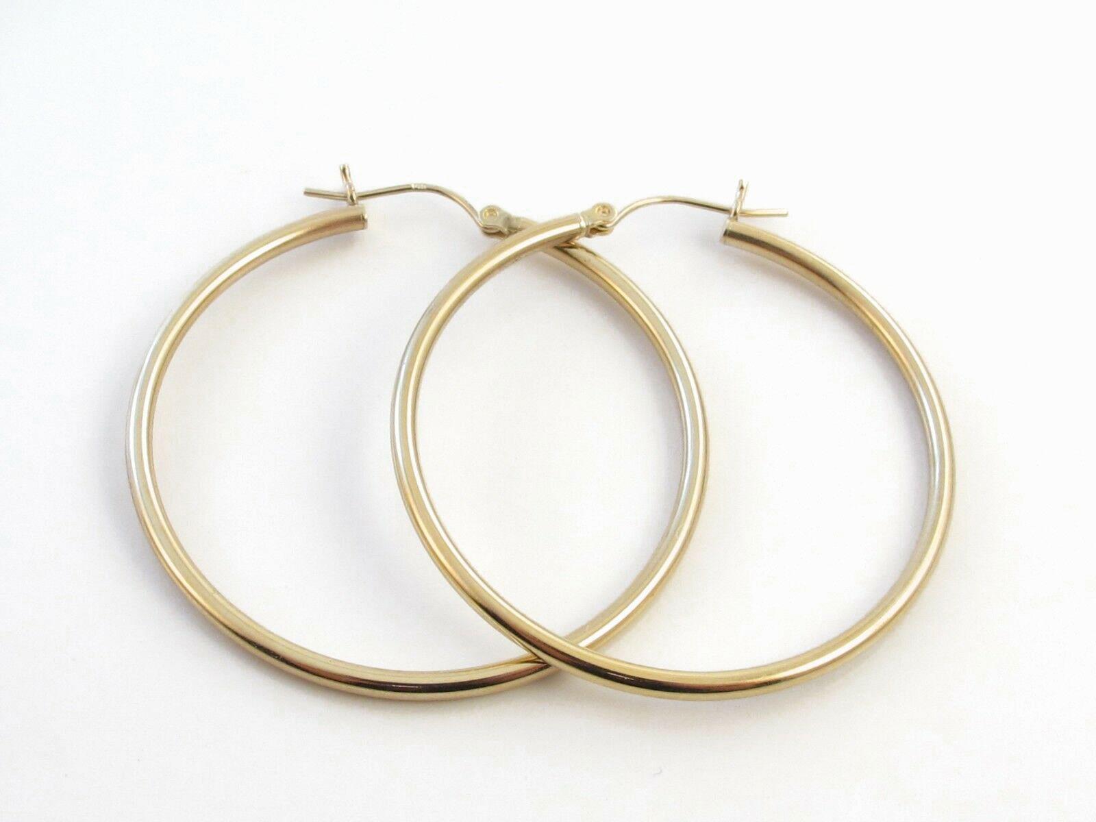 14k Yellow Gold Shiny Hoop Earrings