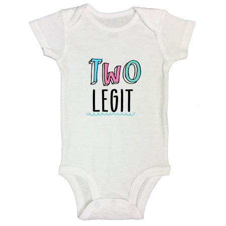 "Child Girl Old Photo (Boys or Girls 2nd Birthday Onesie - 2 Year Old Bday Shirt ""Two Legit"" Funny Threadz Kids Toddler T3 T-shirt, White )"